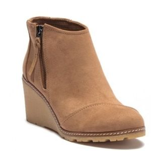 Toms Avery Wedge Toffee Microfiber Ankle Booties